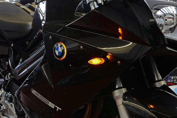 F800S & F800ST BMW roundel badge LED lights / Emblem lights